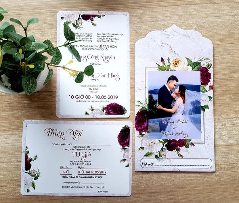 Thiệp cưới in hình