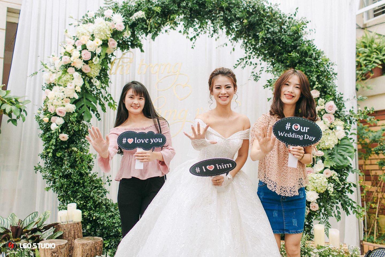 Bảng cưới cầm tay- in theo yêu cầu